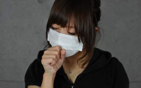 季節の変わり目に咳や痰が止まらない!原因はアレルギー?