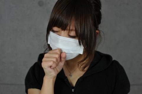 黄色い痰が出る原因は病気?風邪?咳や喉の痛みも合わせて出ることも?
