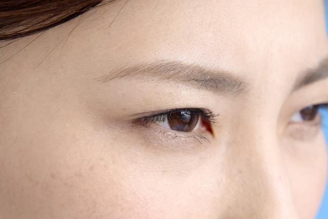 片目がぼやける原因は?病気?治し方についても解説!