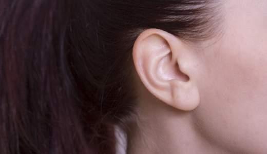 耳たぶが腫れてできものが!膿も出てきた!原因は?病院は何科?