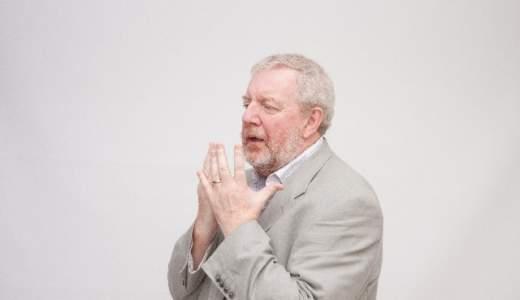 手の震えがストレスや疲れが原因のことはあるか?対処法を紹介!
