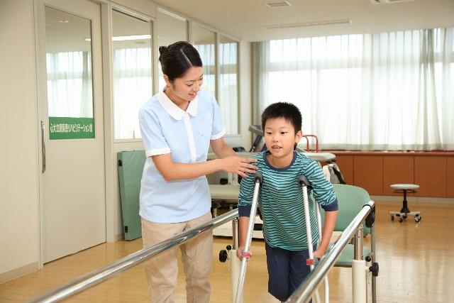 骨折は放置すると自然治癒する?病院に行かないでも大丈夫なの?