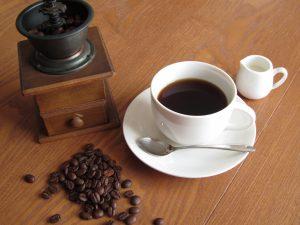 カフェイン,ノンカフェイン飲料,エナジードリンク,致死量,死亡